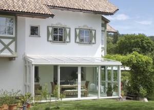 veranda con serramenti finstral