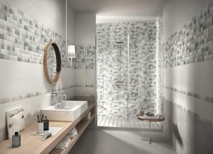 bagno con mosaico grigio